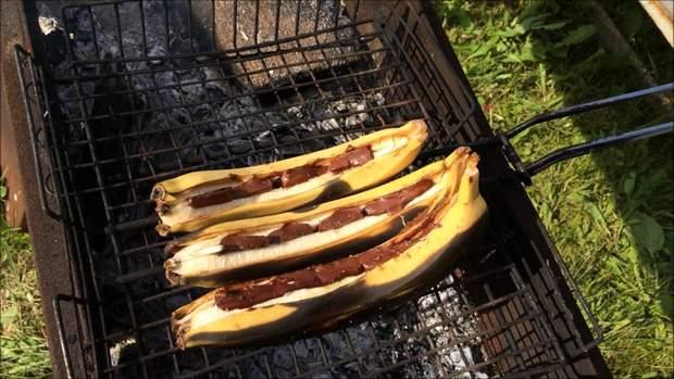 Что приготовить на пикник: бананы на мангале
