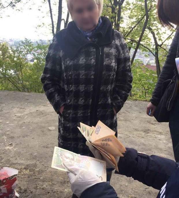Львів затримання податківця хабар кримінал