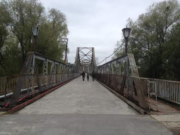 Пішохідний міст через Дністер у Галичі