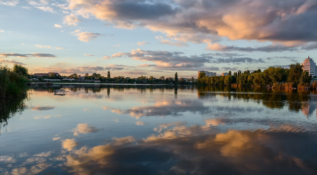 Райдужне озеро