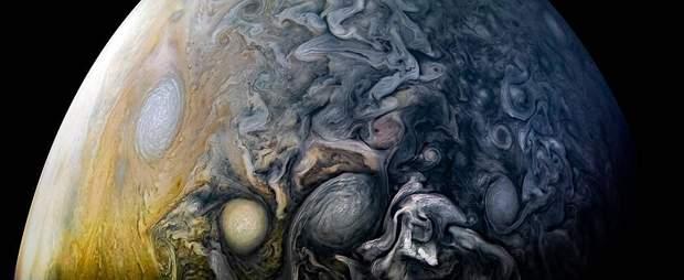 Нове фото Юпітера