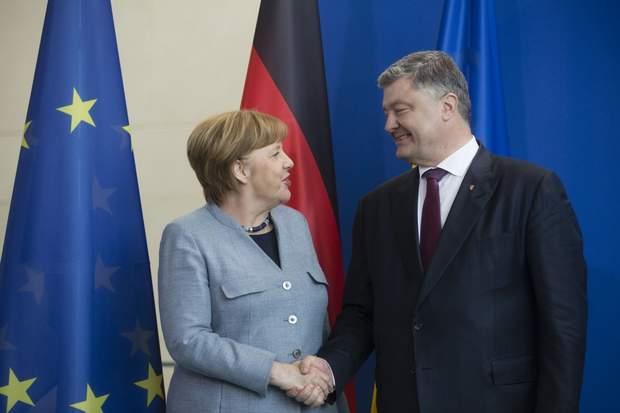 Петро Порошенко зустрівся в Берліні з Ангелою Меркель
