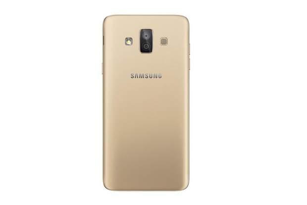 Samsung офіційно представила Galaxy J7 Duo