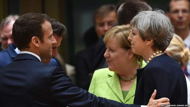 Макрон та Меркель не сумніваються, чиїх рук справою є хімічна атака в Сирії
