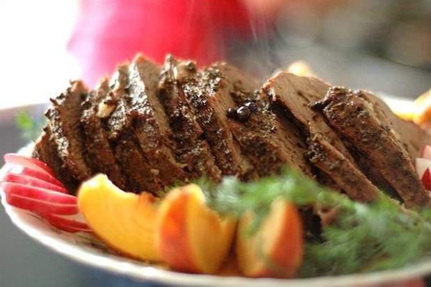 Під час дієти варто харчуватись відвареним м'ясом, а не обробленим