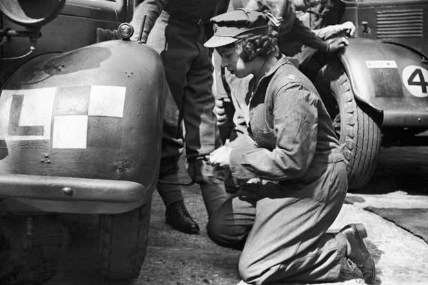 Королева Єлизавета ІІ у роки Другої світової війни
