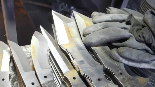 Унікальні ножі