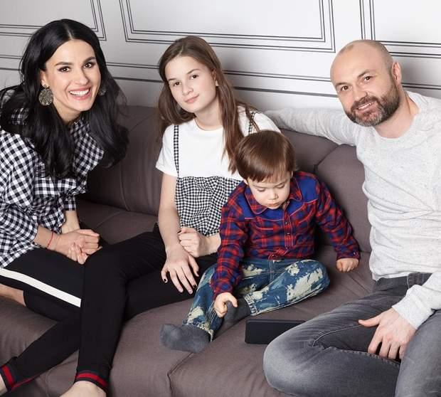 Маша Єфросиніна із сім'єю