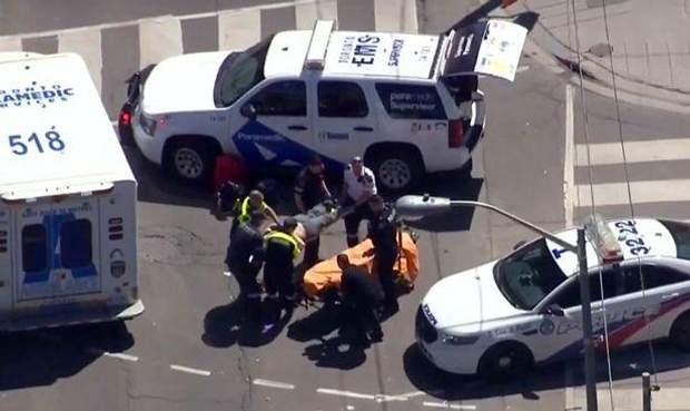 Вантажівка, Торонто, Канада, ДТП, наїзд на пішоходів, жертви