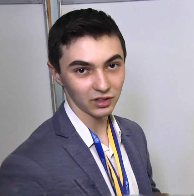 Максим Клюба