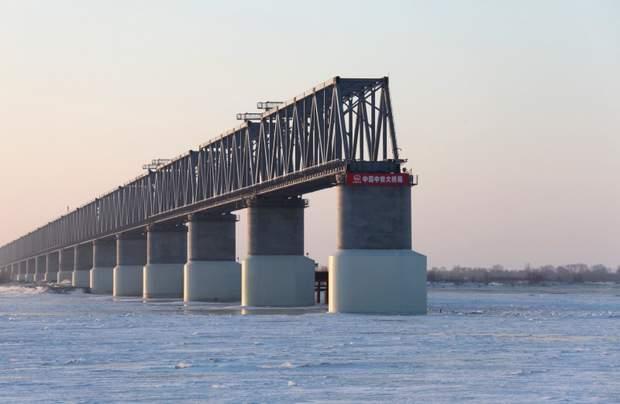 Свою частину мосту через Амур збудував поки лише Китай, Росія зводить його досі