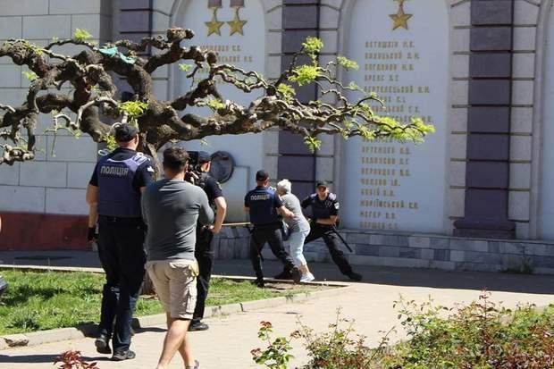 Одеса 1 травня активісти поліція напад