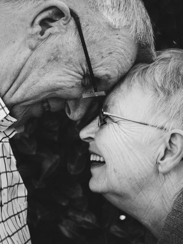 Любити одну людину все життя можуть люди зі стабільною психікою