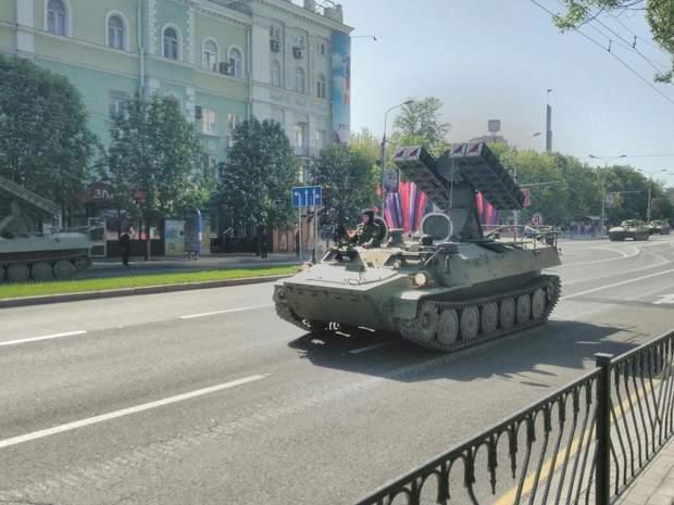 Опубліковані фото підготовки бойовиками параду до 9 травня в Донецьку (3)