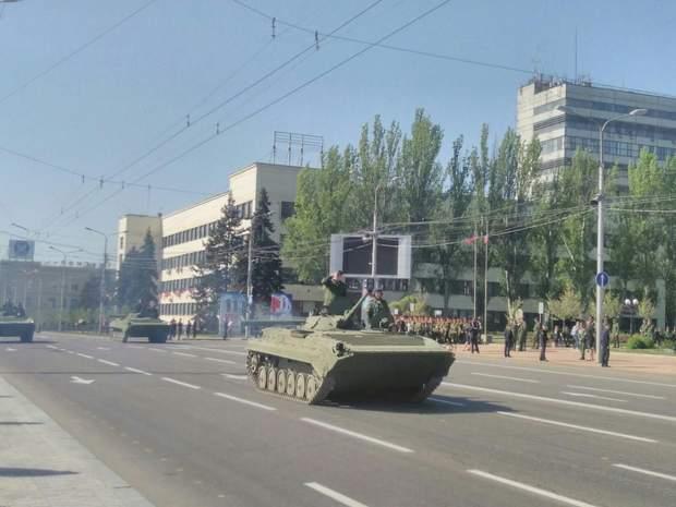 Опубліковані фото підготовки бойовиками параду до 9 травня в Донецьку (2)