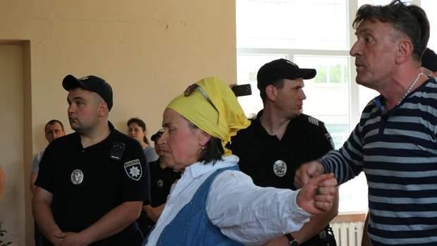 Ларін, Кропивницький, зеленка, Опоблок, протести, активісти