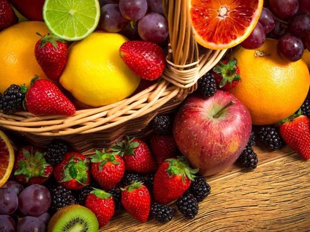 Солодкі фрукти краще споживати у першій половині дня