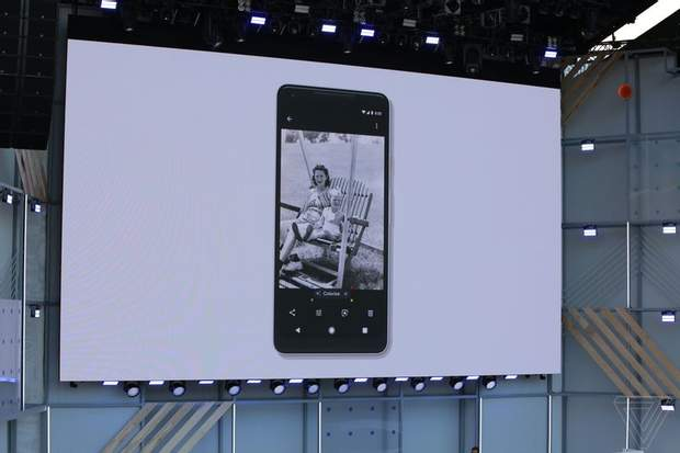 Google Photos навчать розфарбовувати фото