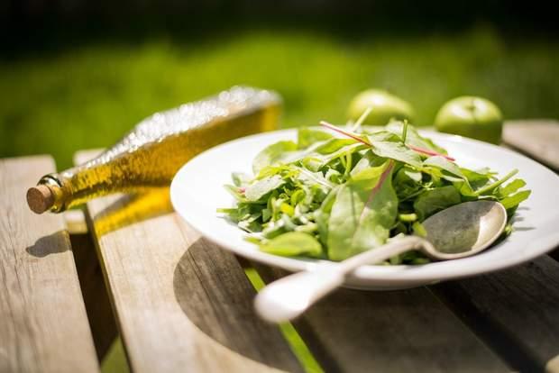 Зелень негативно впливає на здоров'я підшлункової залози