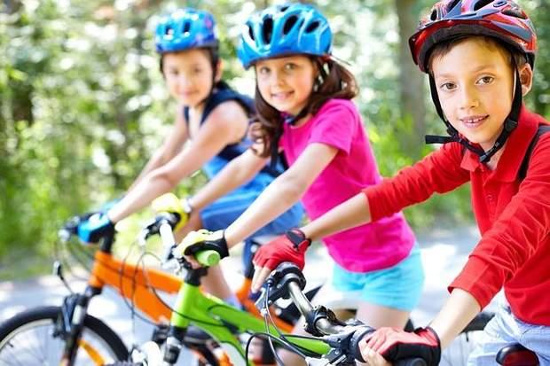 Під час активних ігор чи занять спортом дітям необхідно збільшувати прийоми рідини