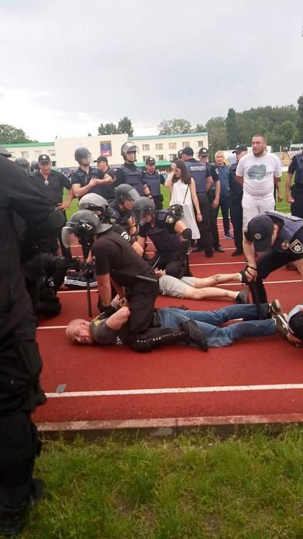 Толмачов, Черкаси, спорт, футбол, поліція, затримання