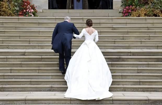 Перша весільна сукня принцеси Євгенії 12 жовтня 2018 року