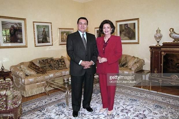 Хосні Мубарак з дружиною