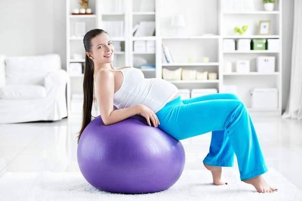 Фітбол – найзручніший домашній тренажер для вагітних