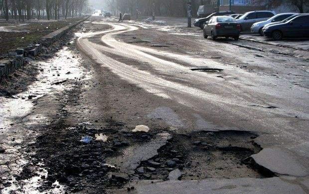 Розбита фурами дорога