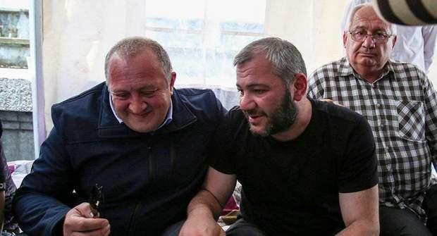 Президент Грузії Георгій Маргвелашвілі і батько загиблого хлопця