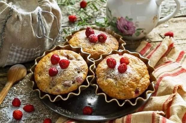 Кекси з суницями: як приготувати страву (рецепт)