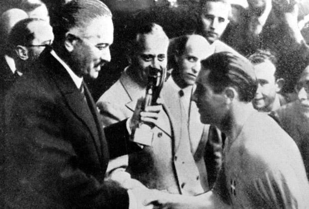 Італієць Джузеппе Меацца отримує Кубок світу