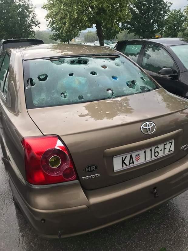 град Словенія негода пошкодження автомобіль