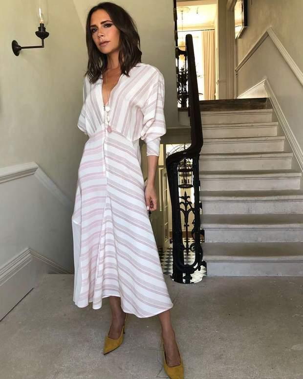 a5a553be24c937 Вікторія Бекхем приміряла розкішну білосніжну сукню власного бренду ...