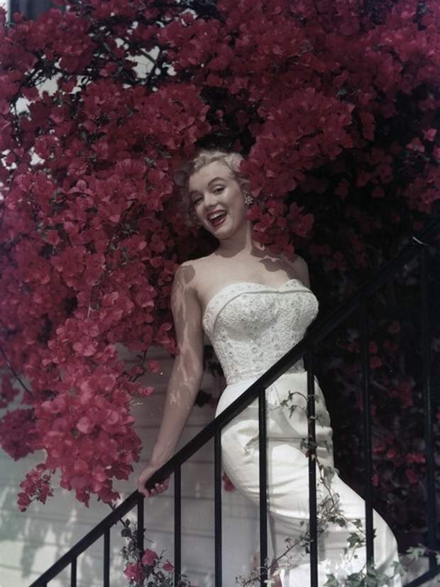 Мерилін Монро в квітах