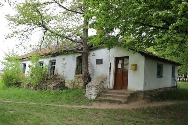 Будинок Миколи Леонтовича руйнується