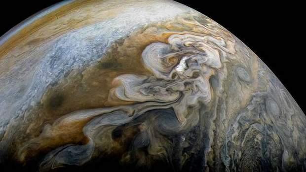 Як рухають хмари на Юпітері