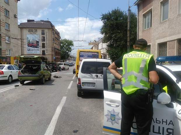 Аварія з 5-ма автомобілями в Тернополі