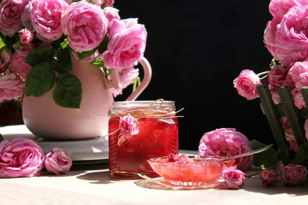 Варення з пелюсток троянд: рецепти приготування