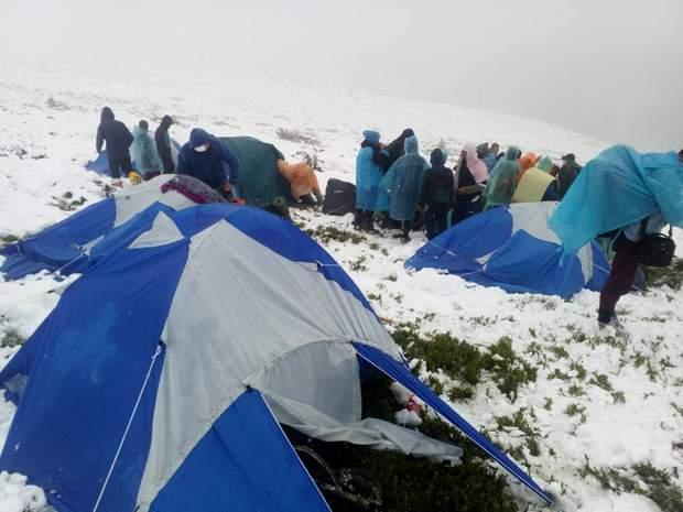 діти гори сніг Карпати