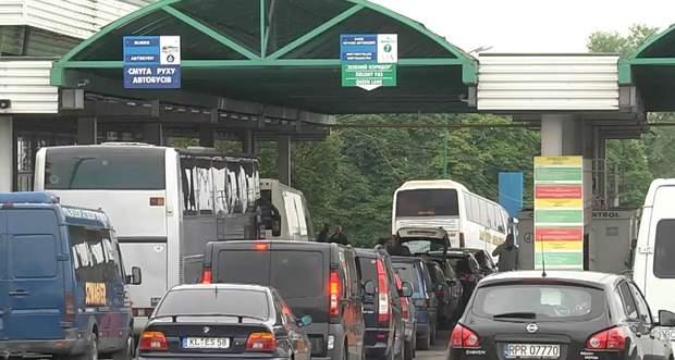 За новим законом, ціна на розмитнення авто зменшиться