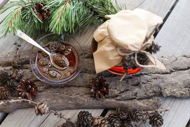 Варення з шишок: рецепт приготування на зиму