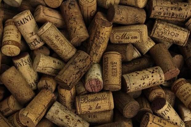 Як правильно зберігати вино