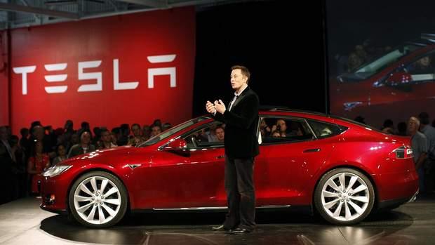 Ілон Маск презентує найпопулярнішу модель електрокара Tesla Model X