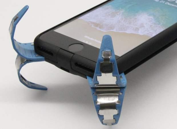 Гнучкі ніжки на новому чохлі, який захистить телефон від наслідків падінь