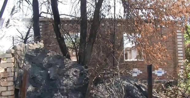 Вороги обстрілюють будинки цивільних