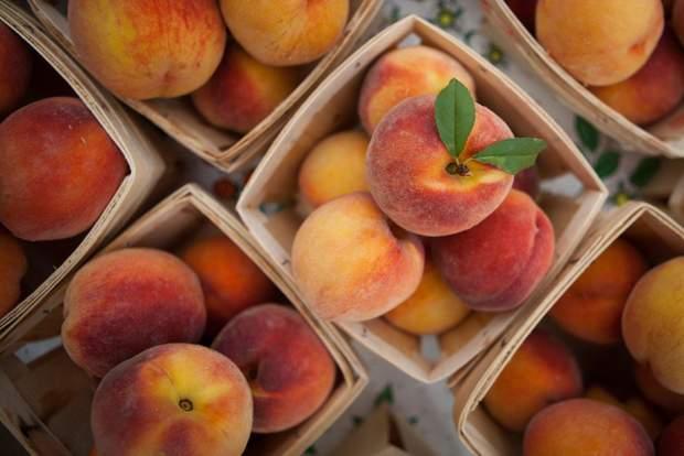 Чим шкідливі персики
