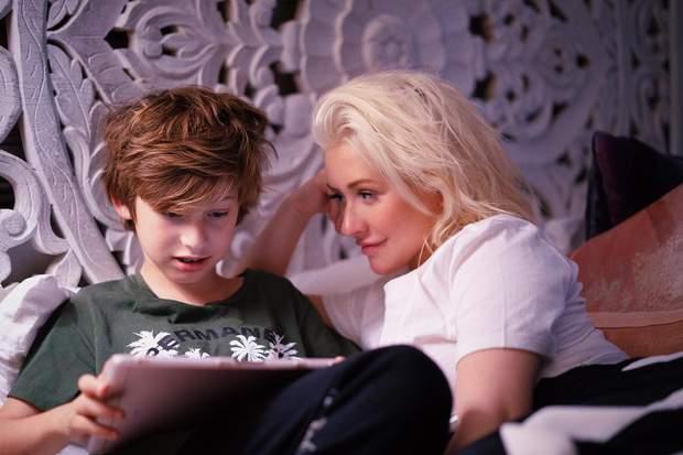 крістіна агілера з сином