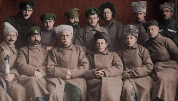 Гайдамацький кіш Слобідської України зі своїм отаманом Симоном Петлюрою