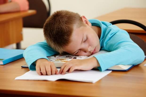 Чому болить голова у дитини